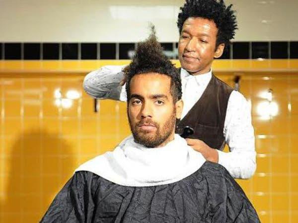 """لاعب إنجليزي يدعم أبحاث السرطان بـ""""شعره"""""""