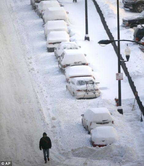 شارع مغطى بالثلج