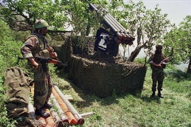 صواريخ حزب الله في موقع غير معروف في لبنان