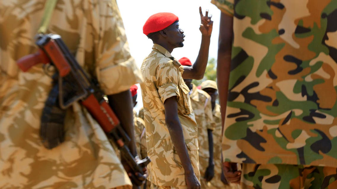 South Sudanese soldiers gather for a briefing at the army general headquarters in Juba, Jan. 8, 2014. (Reuters)