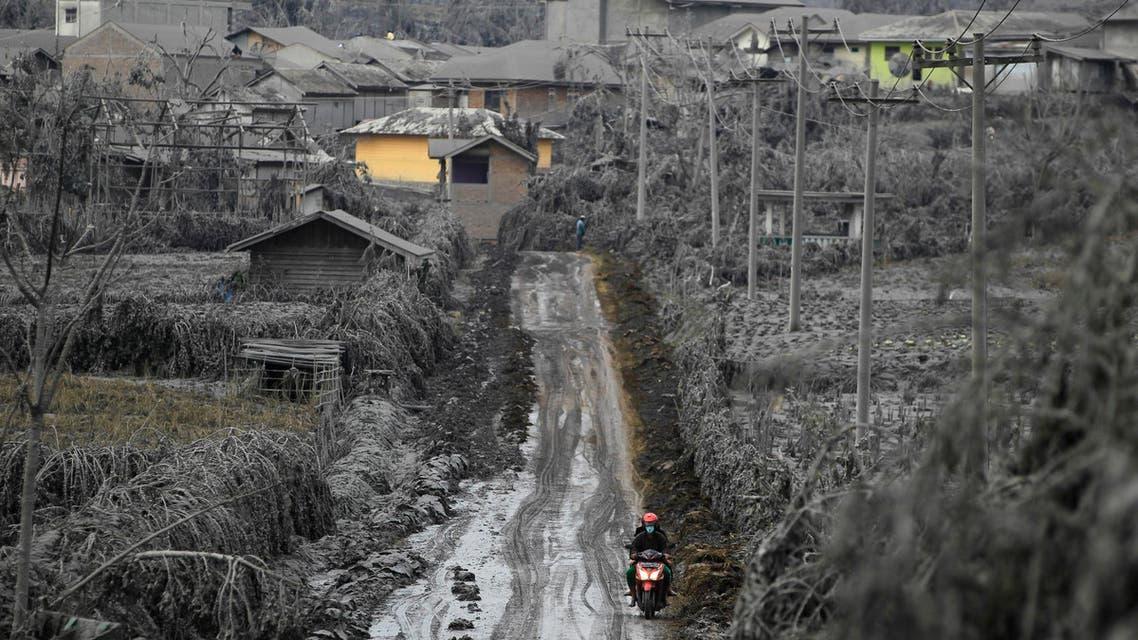 Indonesia's Mount Sinabung erupts