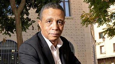 كاتب جزائري شهير يتقمص دور قذافي #ليبيا