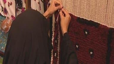 """مسنة سعودية لم يمنعها """"العمى"""" عن امتهان الخياطة"""