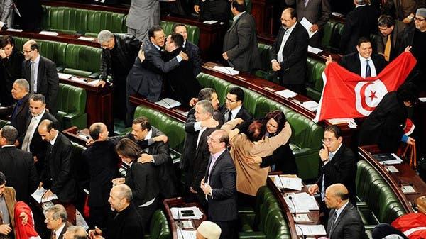 أجواء احتفالية ترافق المصادقة على دستور تونس