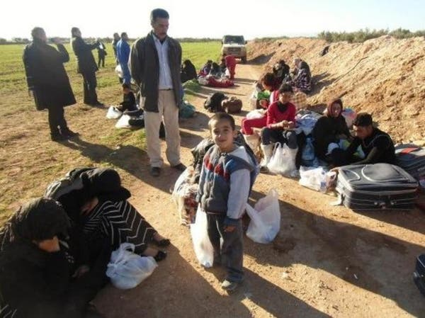 """أزمة على حدود المغرب والجزائر بسبب سوريين """"عالقين"""""""