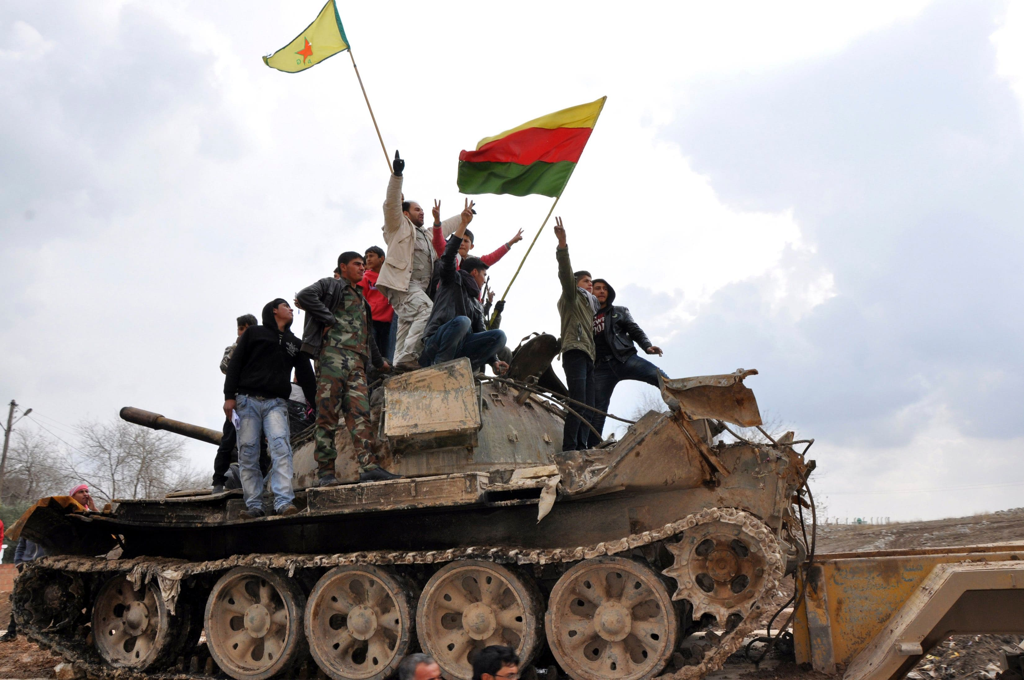 Syrian Kurds mourn deaths after fighting ISIS
