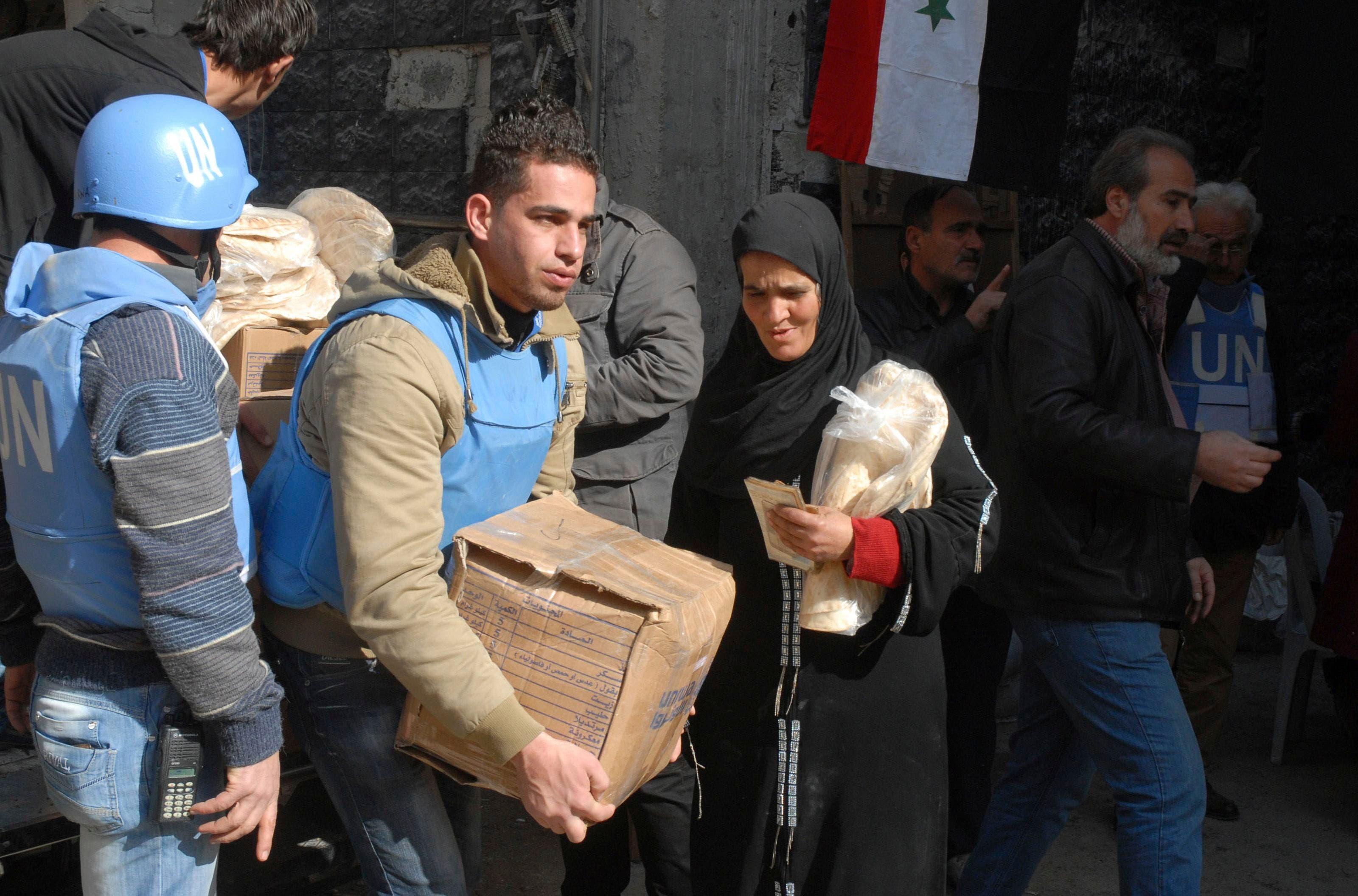 Food aid enters Yarmouk camp