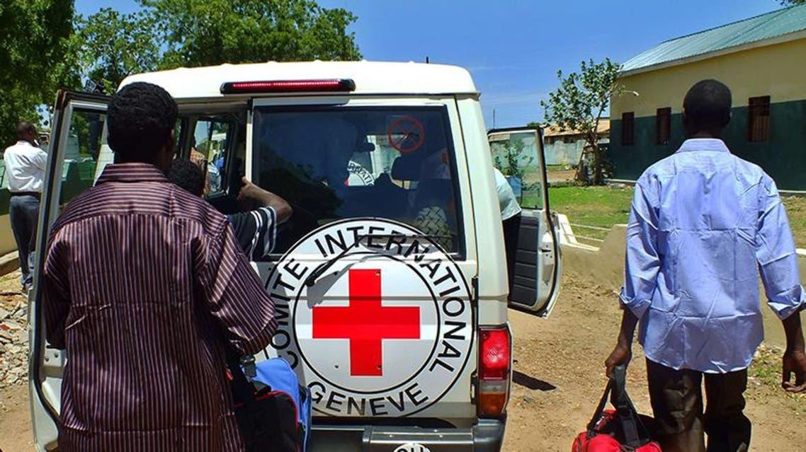 سيارة تابعة لهيئة الصليب الأحمر في السودان
