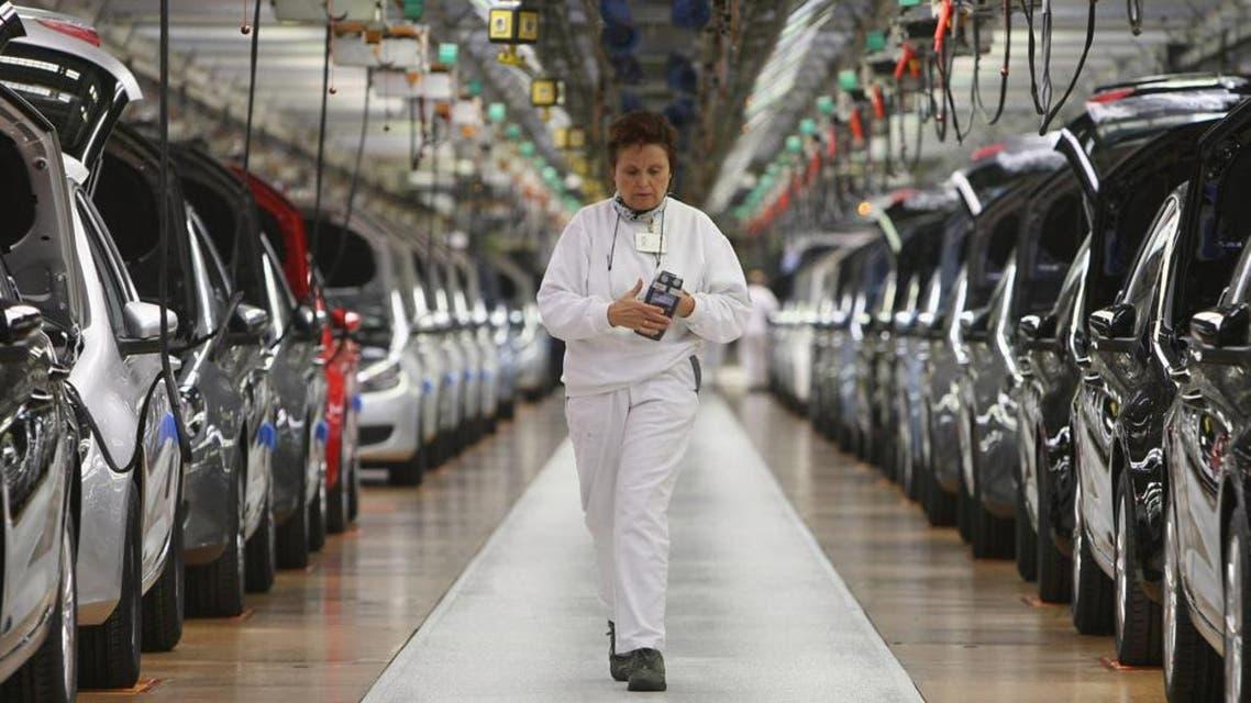 مصنع إنتاج سيارات في الصين