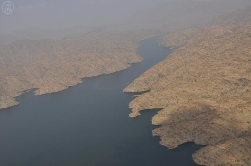 إنشاء 394 سداً لتخزين المياه وإنتاج الكهرباء منها سد وادي بيش الاستراتيجي بجازان
