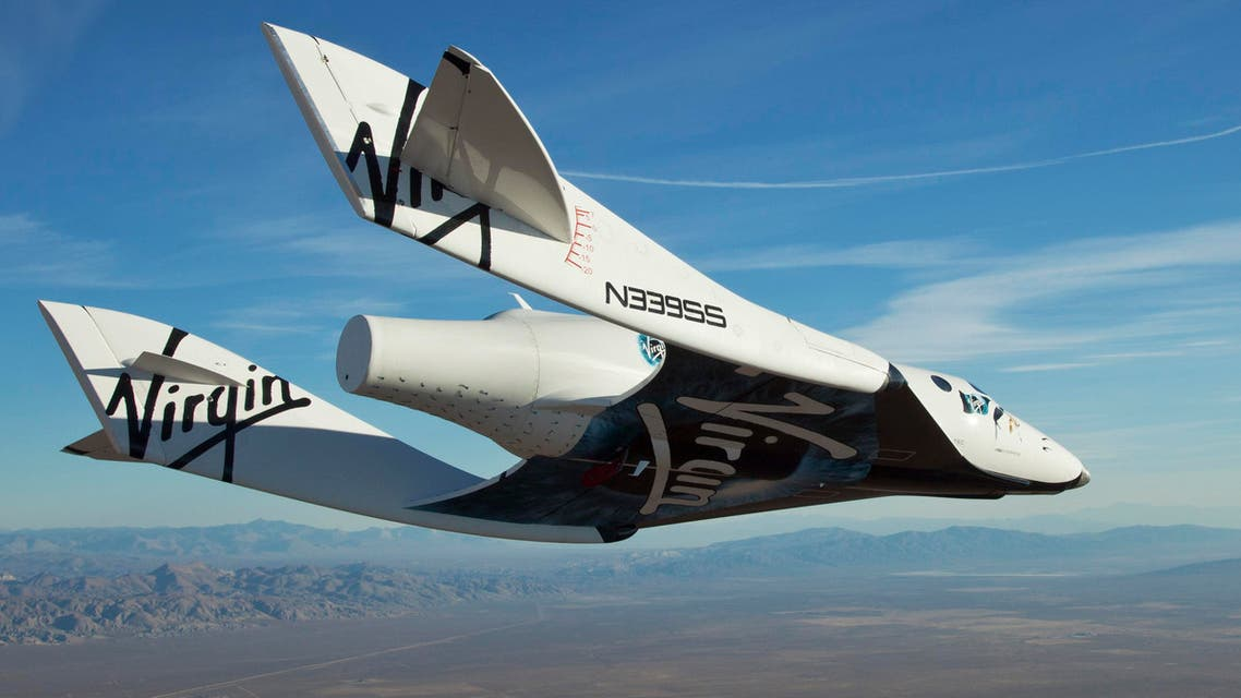 The Virgin Galactic SpaceShip2 (VSS Enterprise) glides toward Earth on its first test flight after being released from its WhiteKnight2 (VMS Eve) mothership over Mojave, California Oct. 10, 2010. (Reuters)