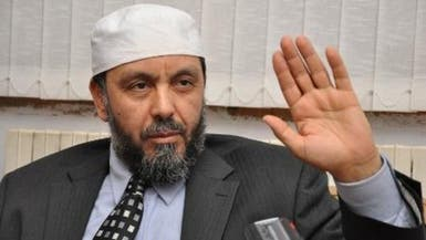 الجزائر..المتظاهرون يطردون أحد رموز الإخوان من مسيرتهم