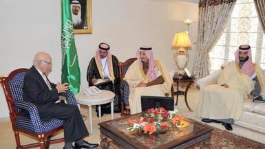الأمير سلمان بن عبدالعزيز يبحث مع عزيز آخر التطورات