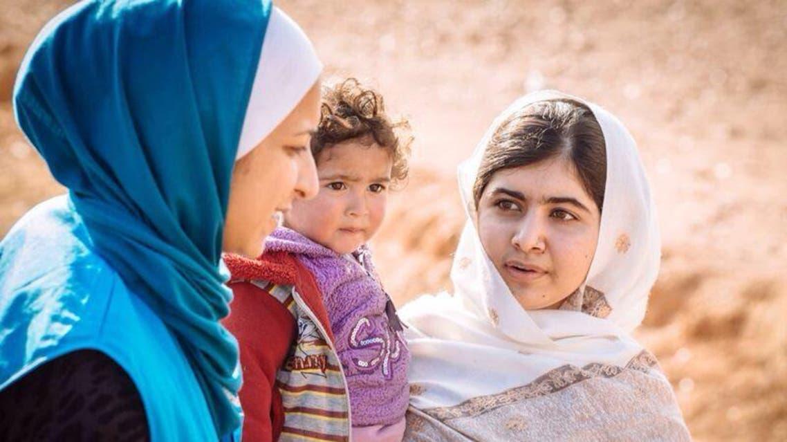 مالالا يوسف اثناء زيارتها مخيم الزعتري