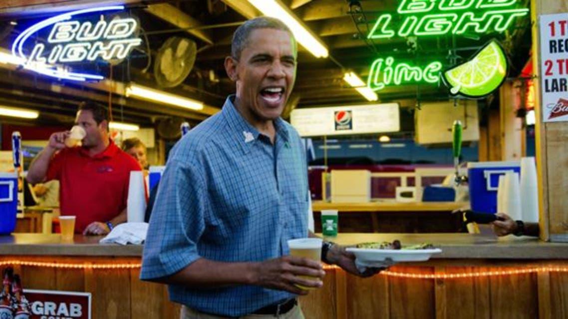 اوباما يحتسي الجعة