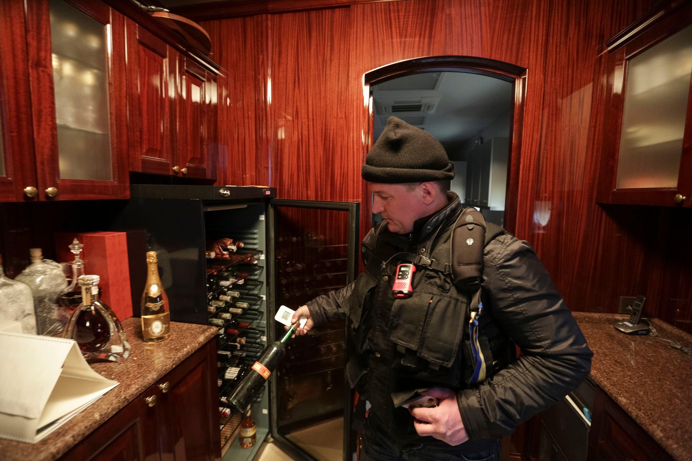Yanukovych's shocking opulence revealed