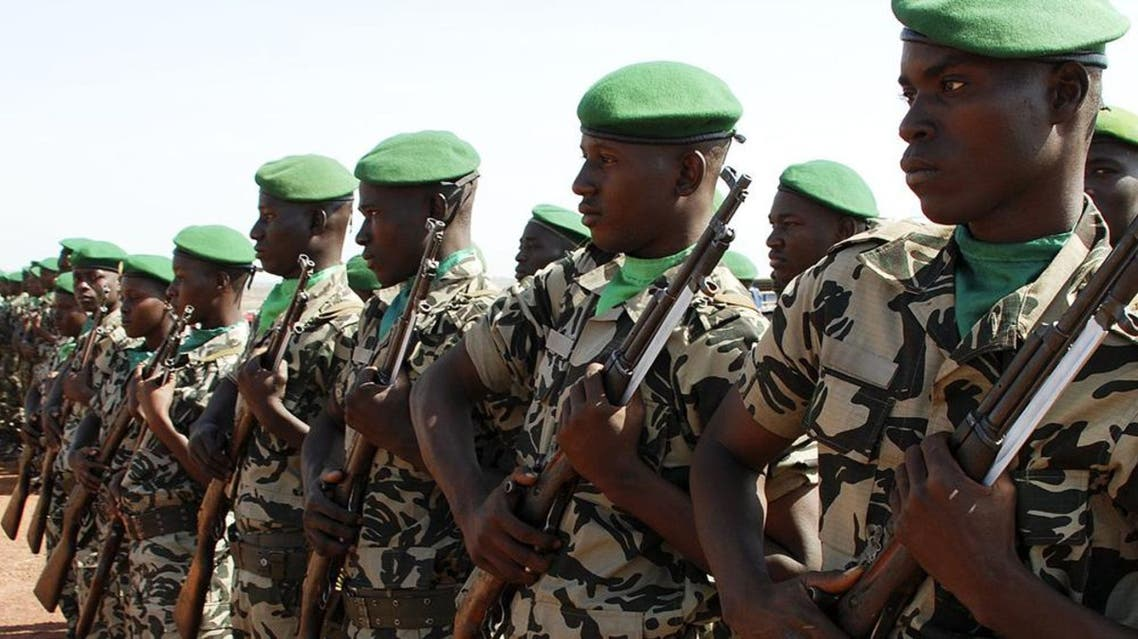عناصر من الجيش المالي جيش مالي