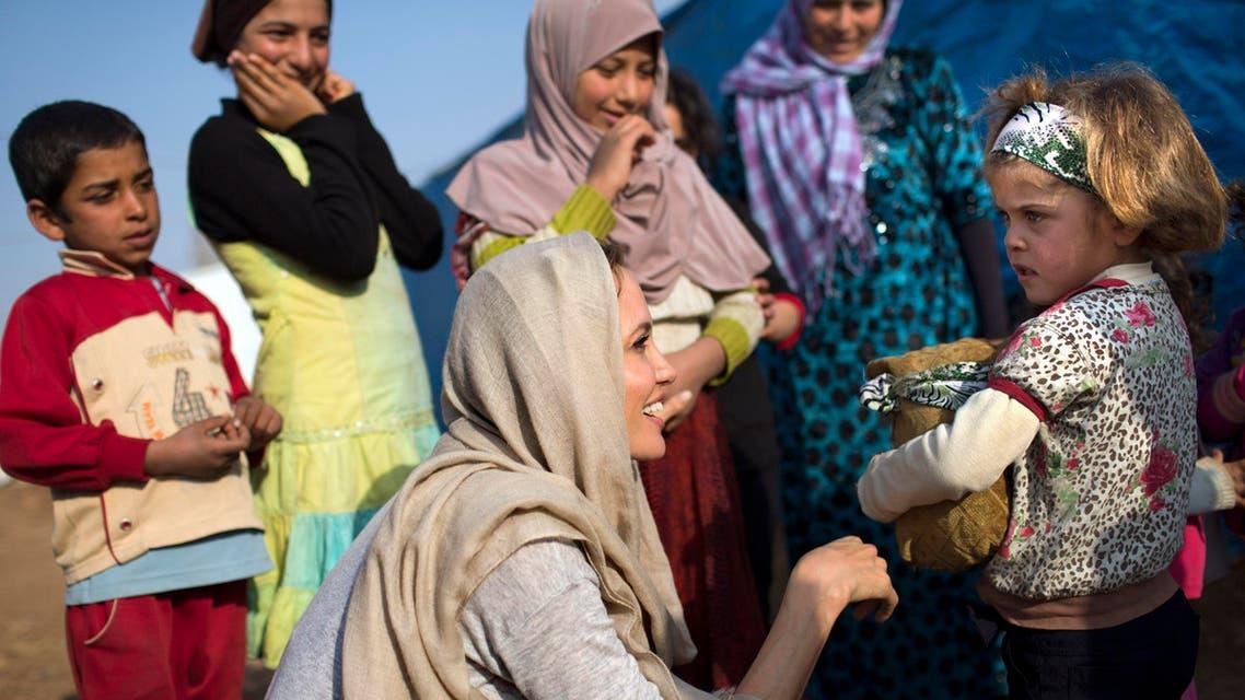 أنجلينا جولي تلتقي أطفال سوريا اللاجئين