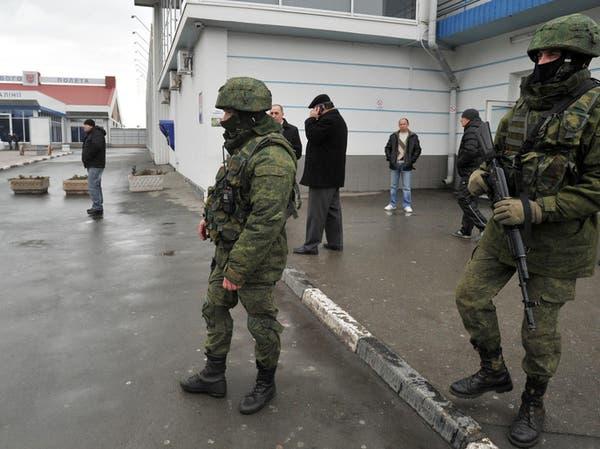 أوكرانيا تسيطر على مطاري القرم وسط انتهاكات روسية