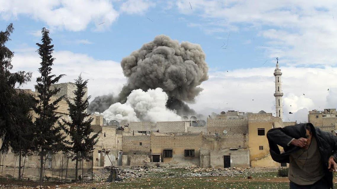 قصف قوات النظام لأحد أحياء حلب