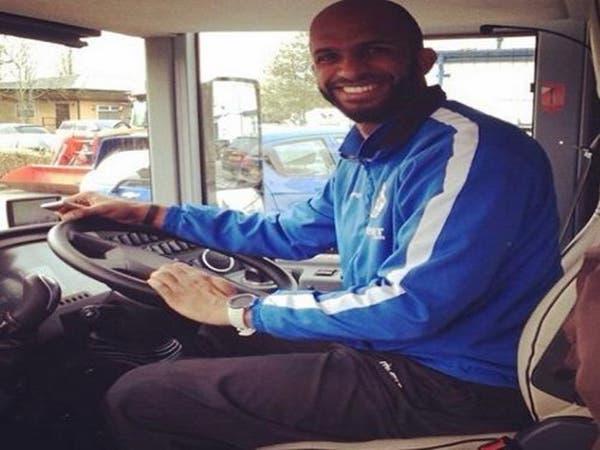 علي الحبسي.. سائق حافلة في إنجلترا