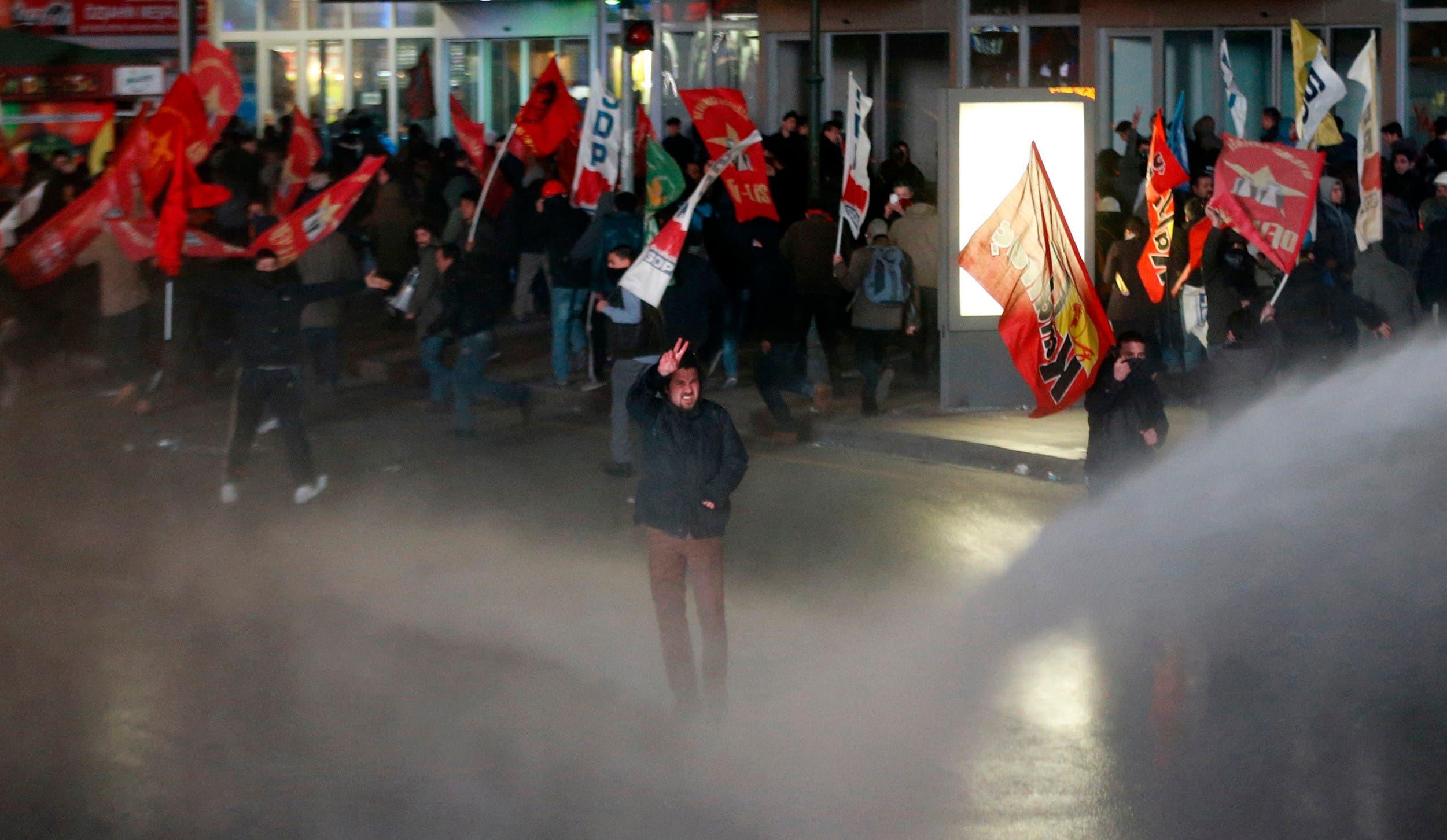 Turks rally against Erdogan