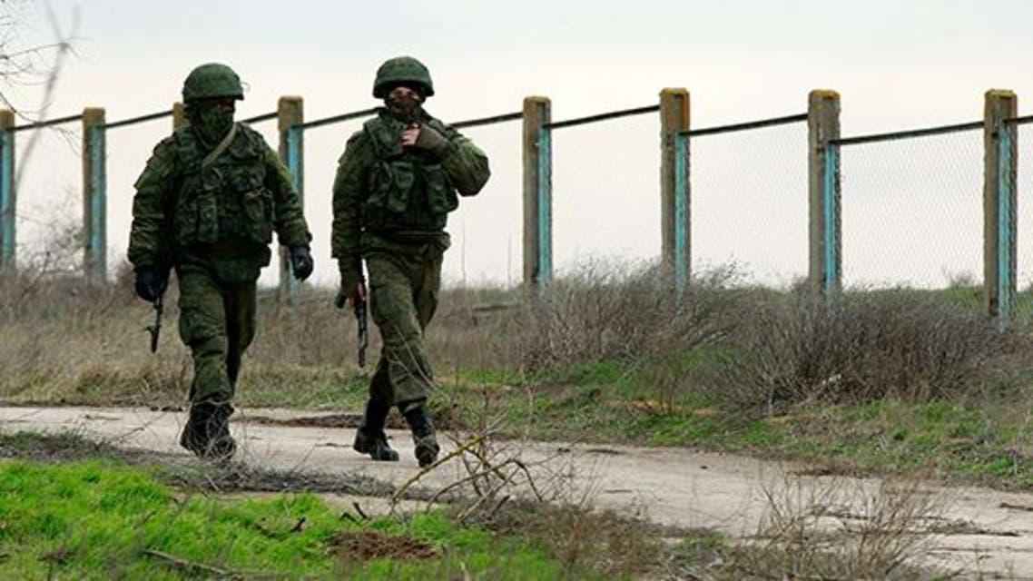 جنود موالون لروسيا في القرم