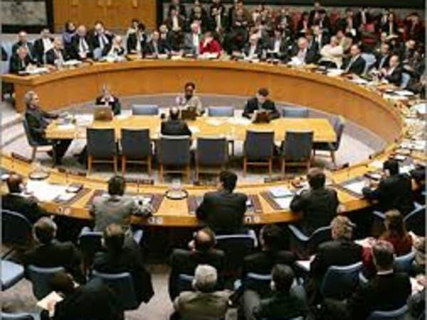 فابيوس يحذر روسيا من عقوبات إذا أجري استفتاء القرم