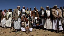 Two Yemeni soldiers killed as Houthi fighters hit army base