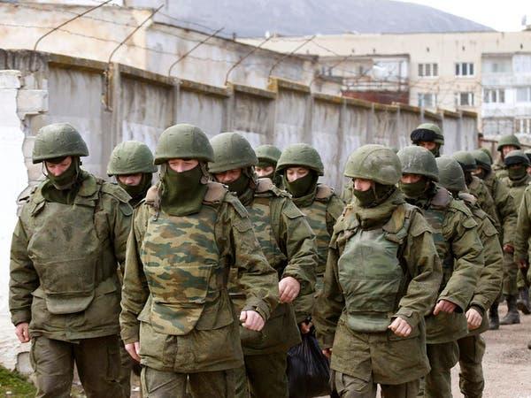 روسيا تنقل مدرعات إلى القرم في سفينة حربية