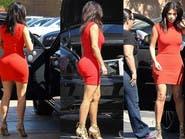 كيم كارداشيان تتحدى منتقديها بفستان أحمر مثير
