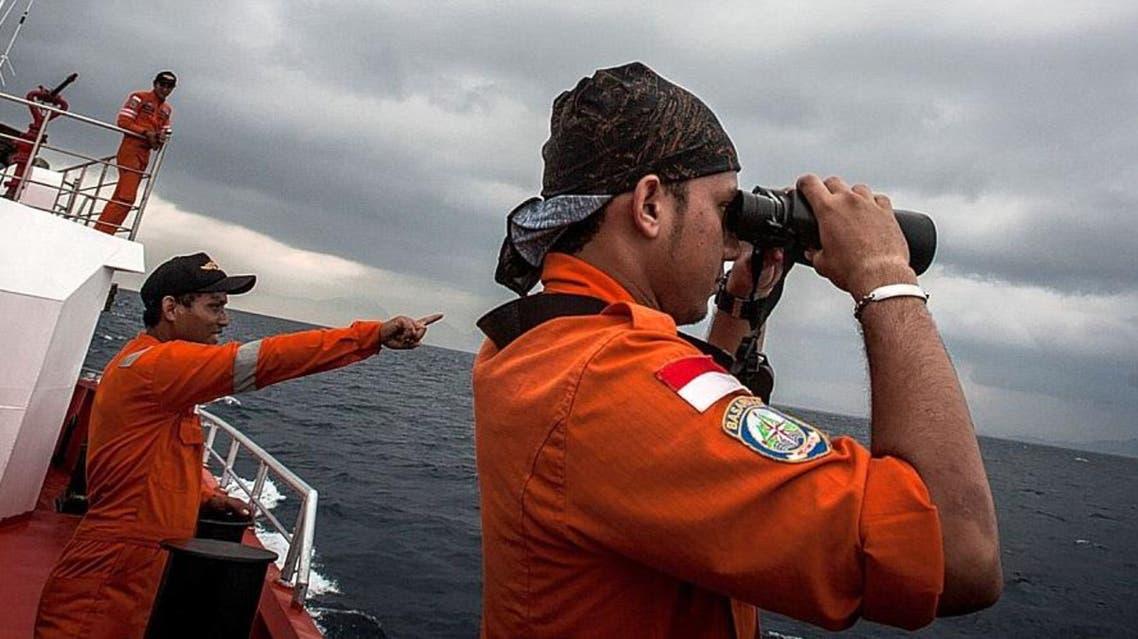 طواقم المراقبة ضمن جهد دولي للبحث عن الطائرة الماليزية المفقودة