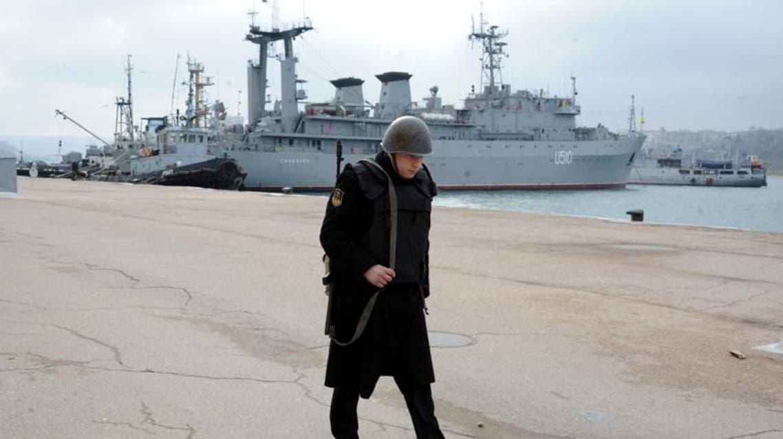 مسلحون يستولون على بارجة أوكرانية في القرم