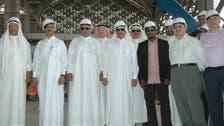 خوذة سعودية فوق العقال.. ووزير النقل يوثقها بتذكارية