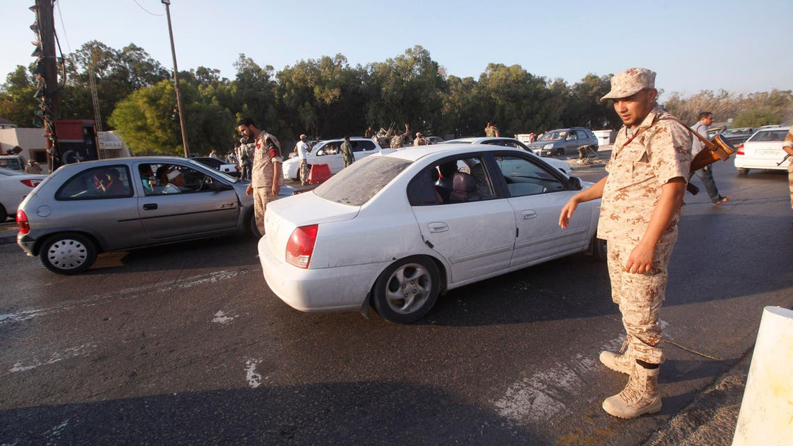 Members of the coast battalion of the Libya Shield Force Western Brigade man a checkpoint in the western suburbs of the city of Tripoli. (File photo: Reuters)