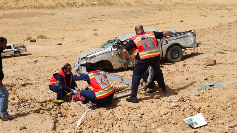 بالصور .. وفاة وإصابة 9 وافدون في حادث مروري