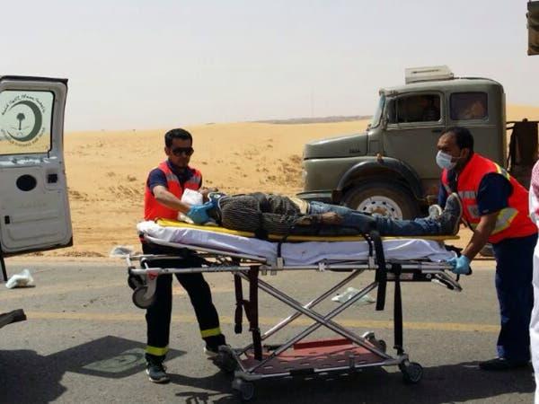 بالصور .. وفاة وإصابة 9 وافدين في حادث مروري