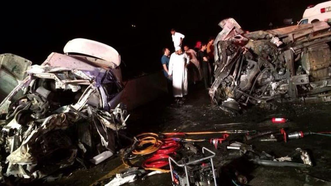 تفحم سائق في سيارتة بعد حادث سير