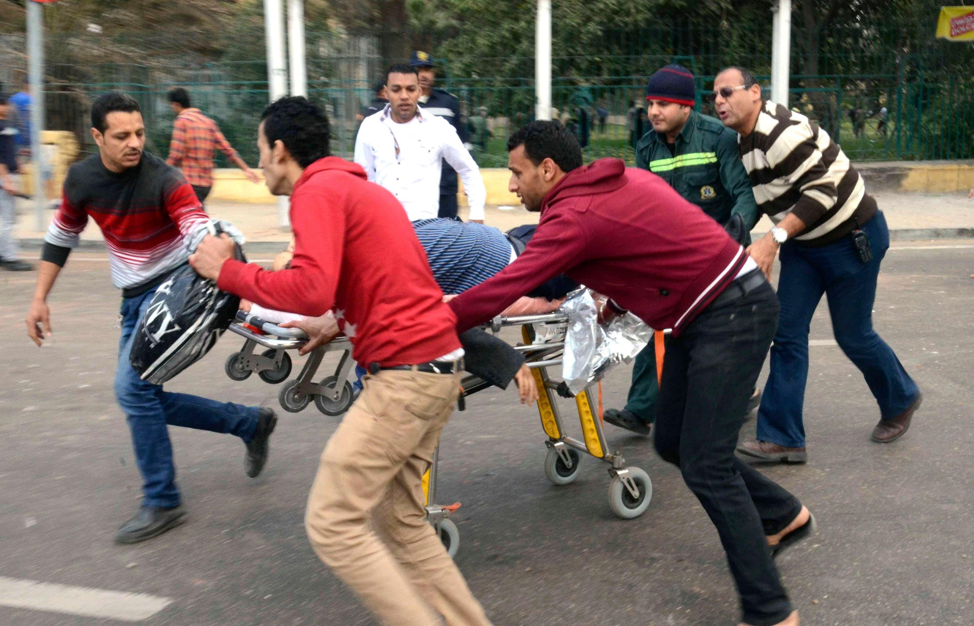 انفجار أمام جامعة القاهرة في مصر
