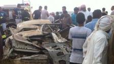 انقلاب سيارة يقتل اثنين ويصيب ثالثاً بجازان