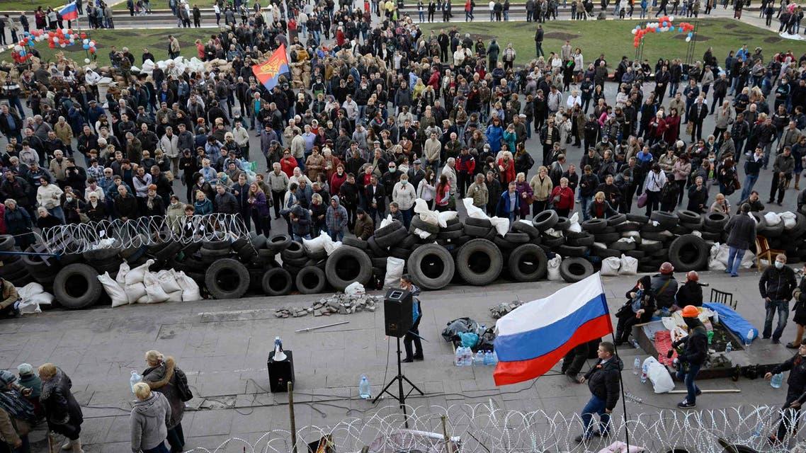 موالون لروسيا في دونيتسك الأوكرانية