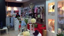 """سعودية في تبوك تطمح بالثراء عبر """"الورد"""""""