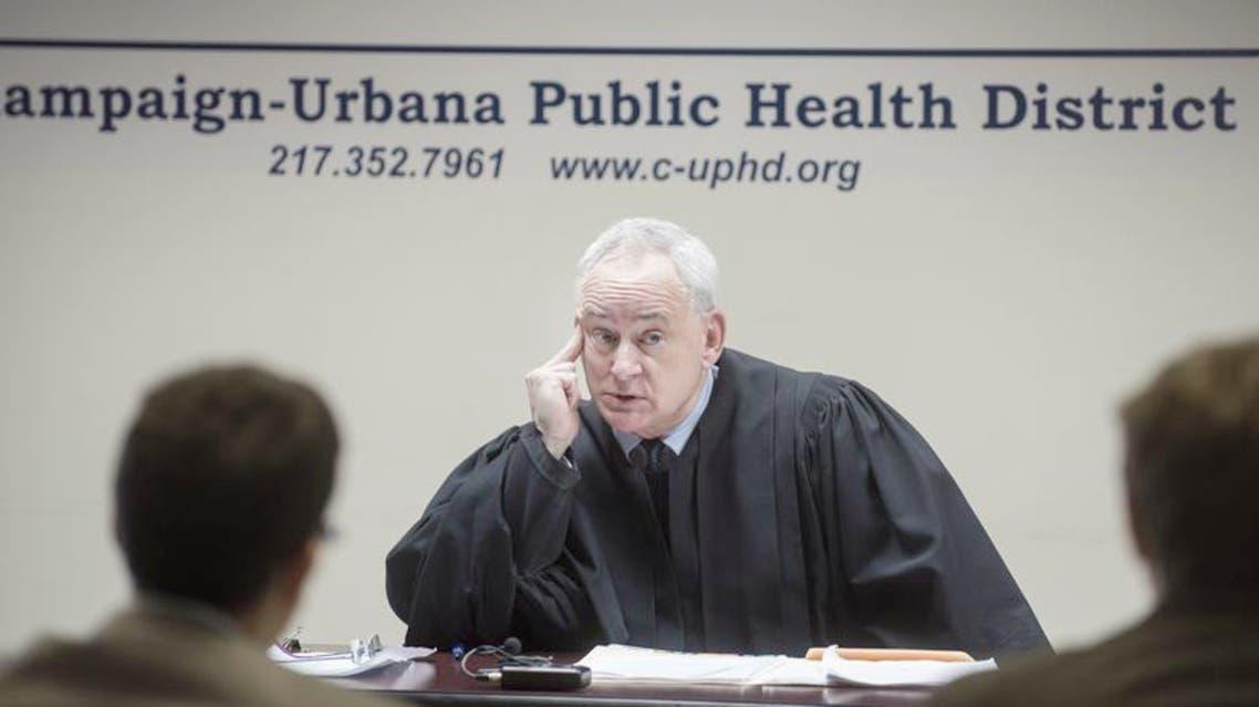 قاض أميركي يأمر بعزل مريضا بالسل في منزله