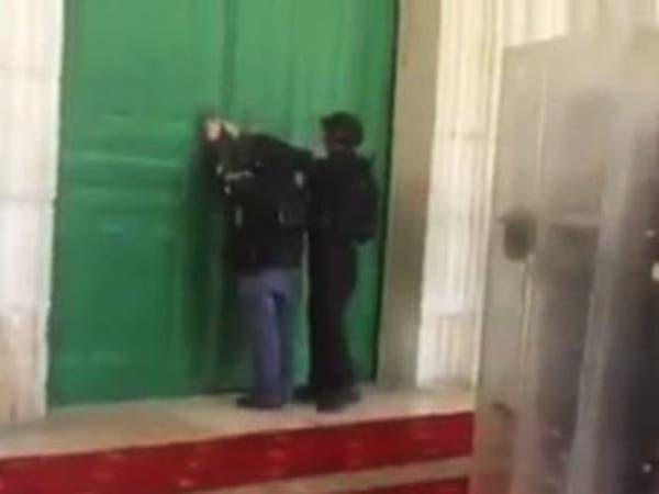 اشتباكات في الأقصى بين الفلسطينيين وشرطة إسرائيل