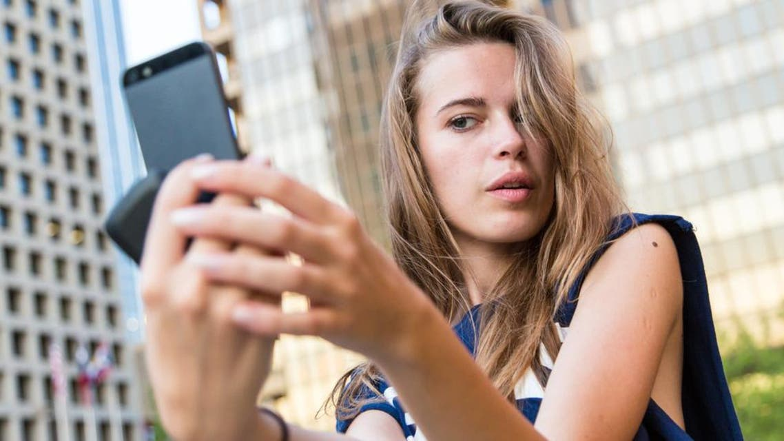 Experts have linked taking selfies with mental illness, it has been reported. (Shutterstock photo posed by model)