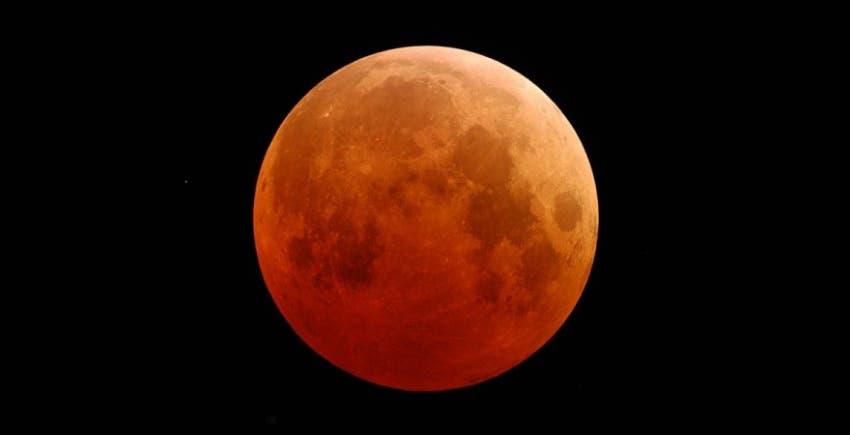 قمر الدم إحدى الظواهر الفلكية النادرة أيضاً
