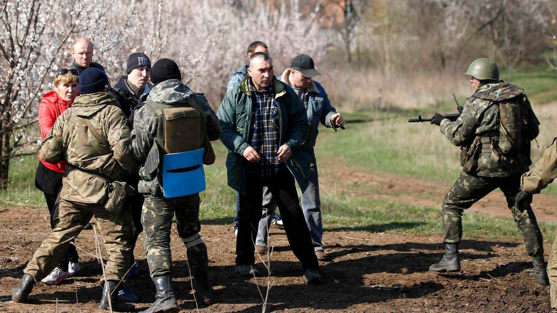اشتباكات بين أوكرانيا وموالون لروسيا