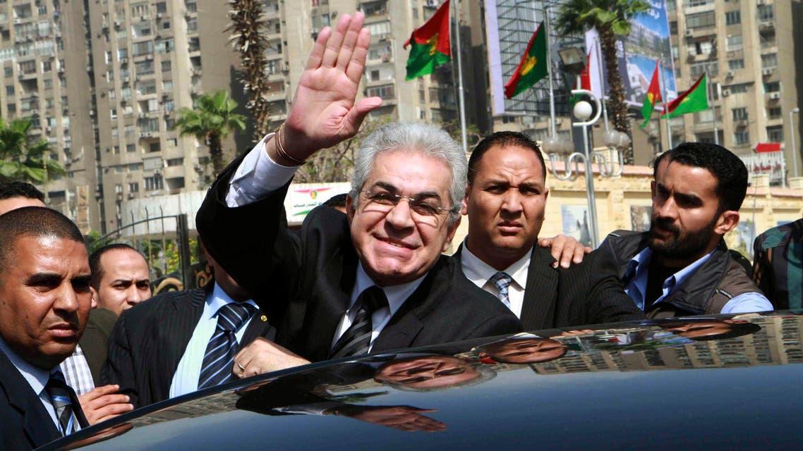 حمدين صباحي يقدم أوراقة رسميا
