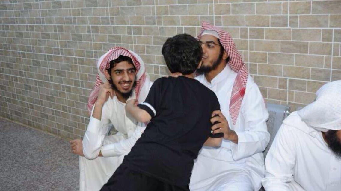 فشل تهريب إمراتان وستة أطفال إلى قاعدة اليمن