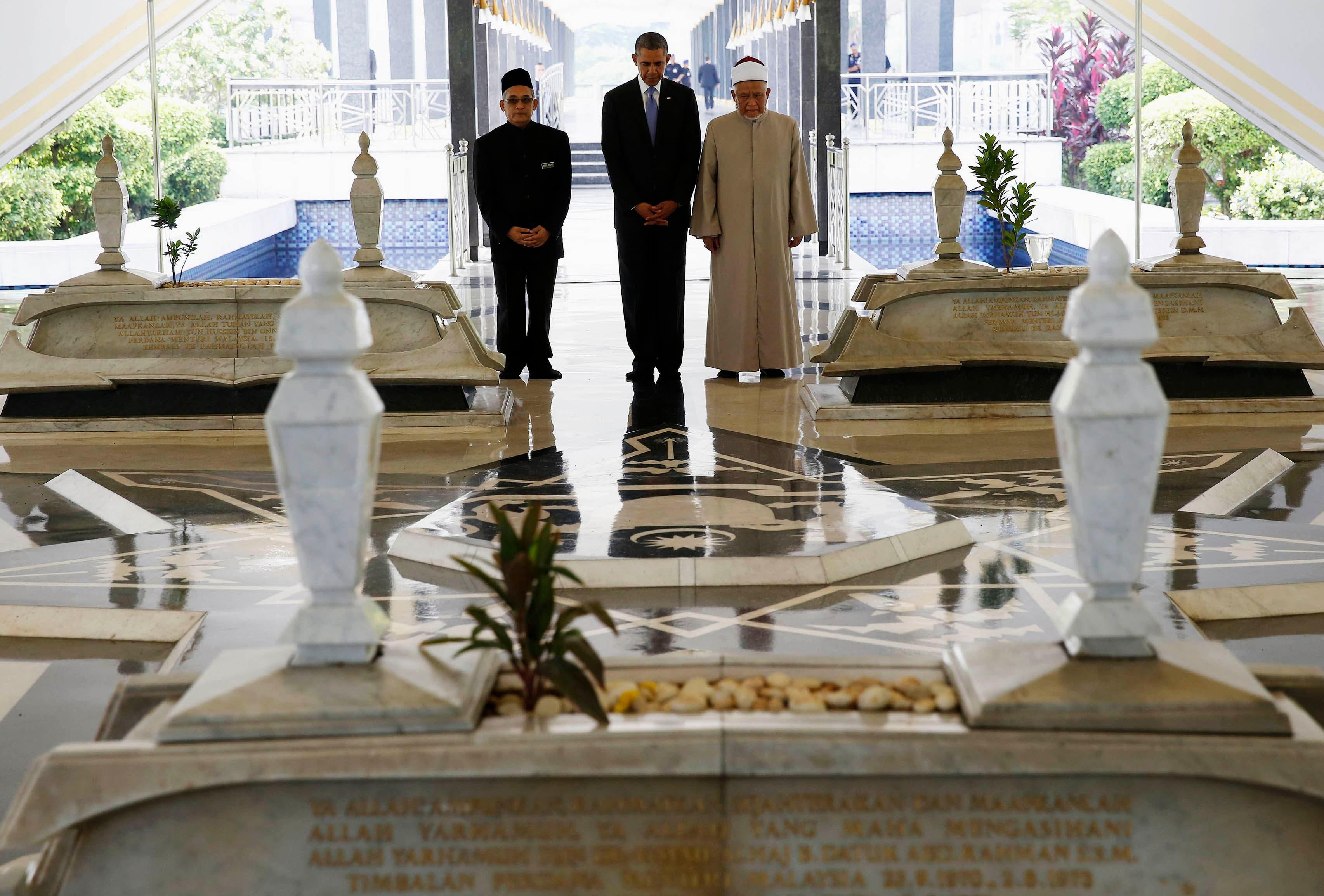 أوباما في مسجد ماليزي